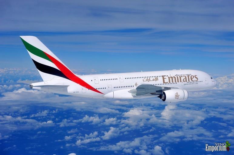 Emirates Airlines investe 500 milhões de dólares em vinhos a bordo
