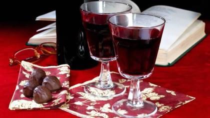 Alzheimer pode ser tratado com composto encontrado no vinho