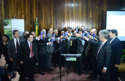 Frente parlamentar quer reduzir carga tributária sobre produção de vinhos