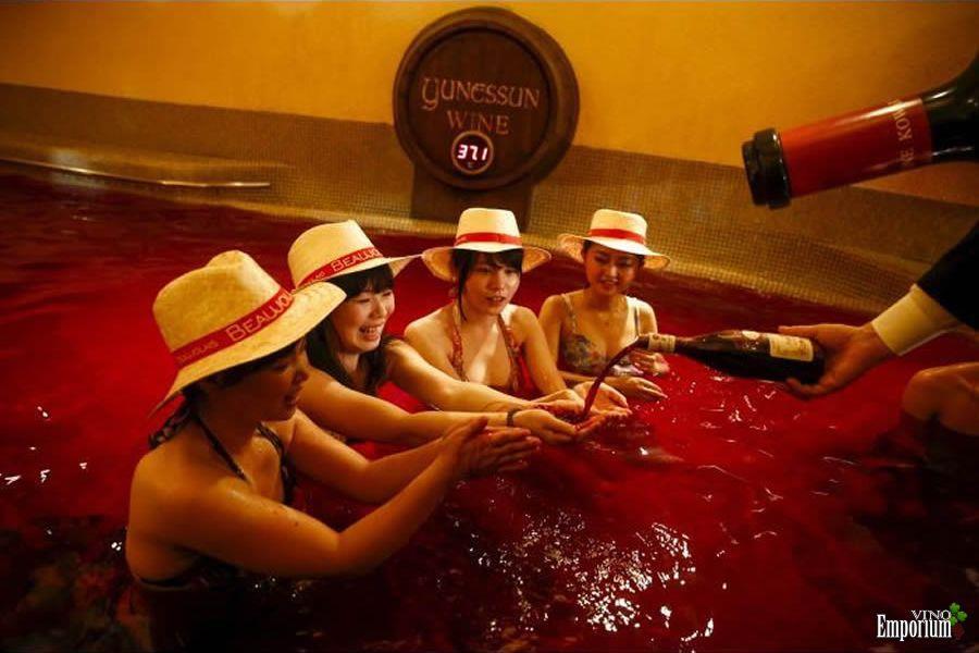 Em novembro, japoneses são banhados em vinho francês
