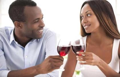 Vinho tinto é aliado contra a cárie