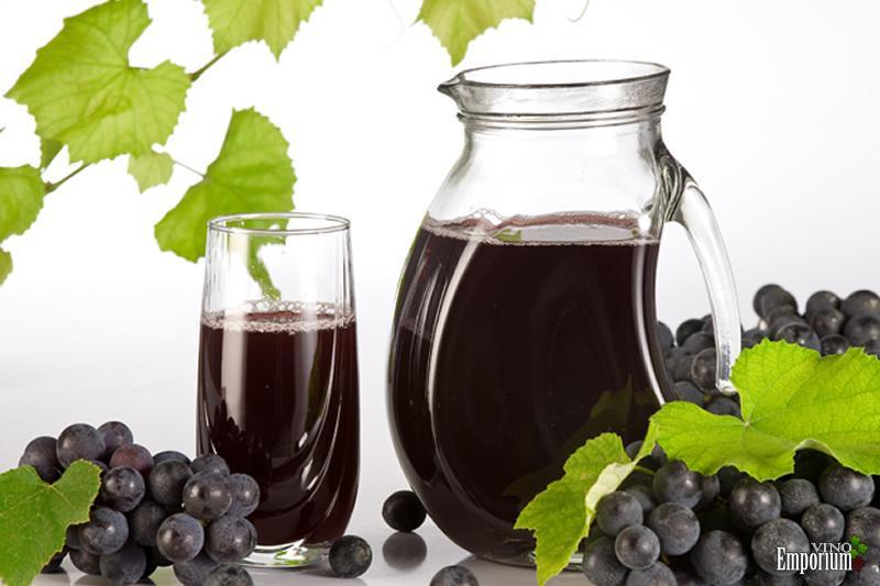 Produtores trocam vinho por mercado de suco de uva