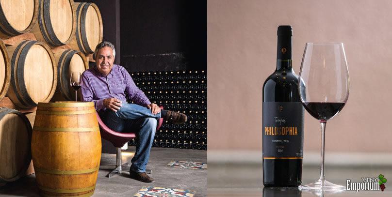 Claudio Góes, diretor da Vinícola Góes, e o vinho Tempos Philosophia Cabernet Franc
