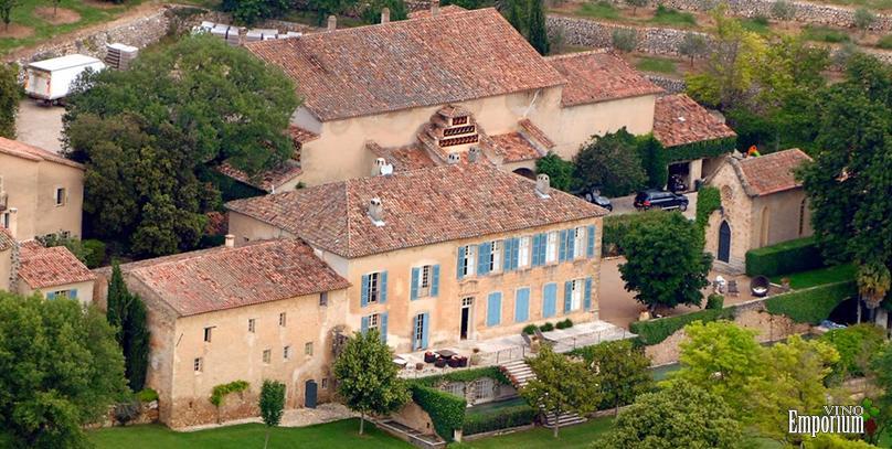 Angelina Jolie e Brad Pitt vão vender castelo onde se casaram em 2014