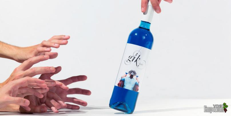 Vinho azul: a criação com que espanhóis tentam revolucionar mercado de bebidas