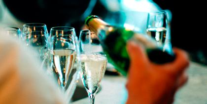 Na contramão da crise, vendas de espumantes batem a dos vinhos