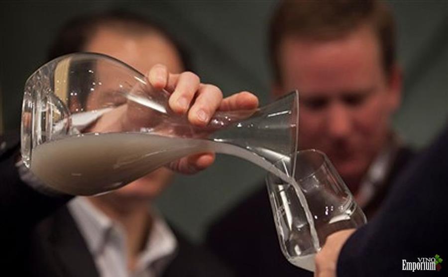 O que esperar de um vinho que passou 151 anos no fundo do mar?
