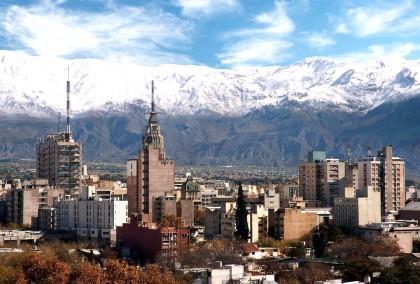 Argentina: Mendoza deve mudar produção massiva de vinho para voltar à rentabilidade, diz governador